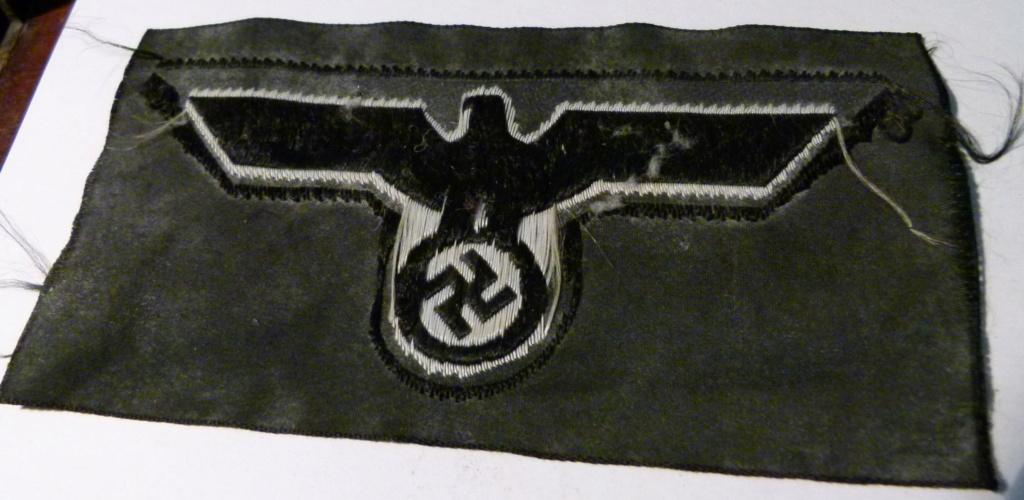 Authentification deux insignes tissus All WWII. P1060215