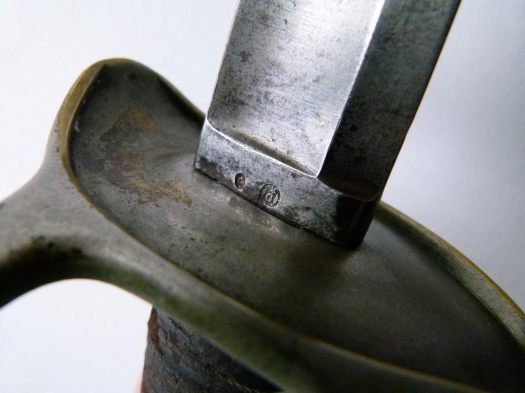 Identification d'un sabre. P1070013