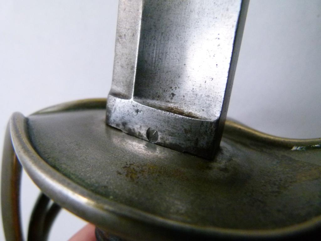 Identification d'un sabre. P1070014