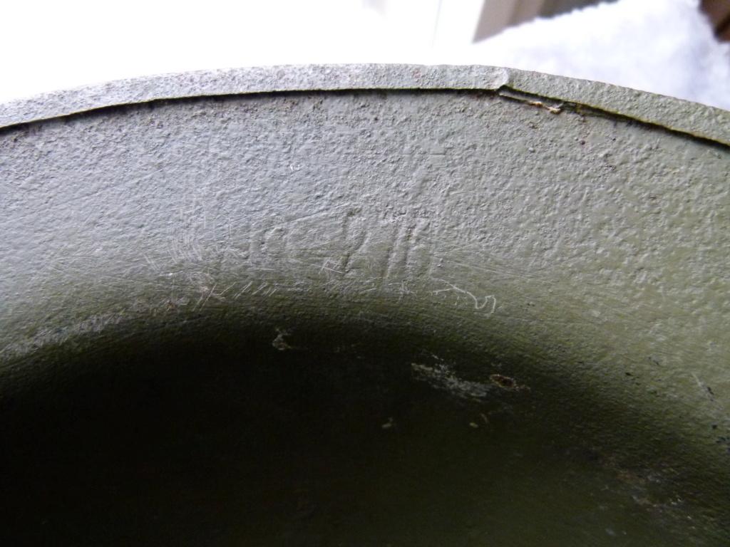 Marquage sur un casque Anglais. P1070321