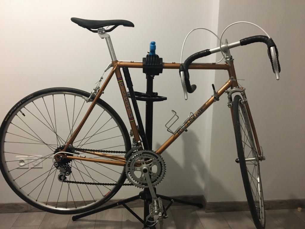 Vélo R. LAPEBIE , vous avez des infos ? (Galet dérailleur cassé) Img_1910