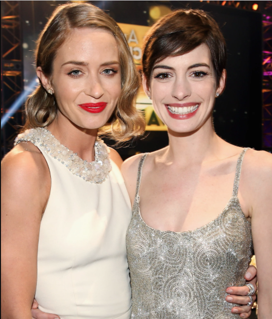¿Cuánto mide Anne Hathaway? - Real height 8jk10