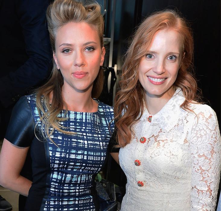 ¿Cuánto mide Scarlett Johansson? - Altura - Real height Ghvbjn12