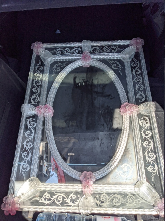 anybody here who knows about Venetian mirrors Pxl_2050