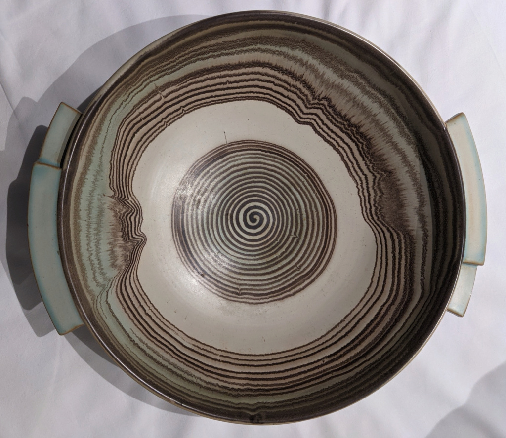 large bowl with different details Pxl_2060