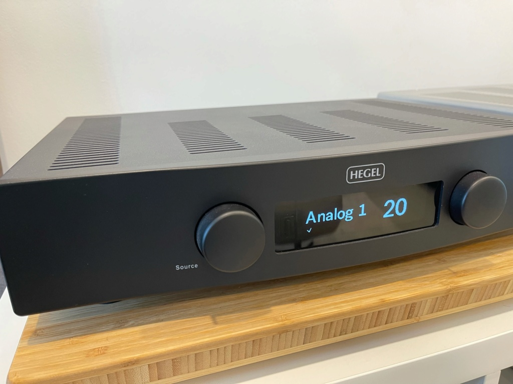 Hegel H90 Integrated Amp (Used) Image210
