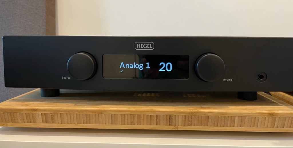 Hegel H90 Integrated Amp (Used) Image510