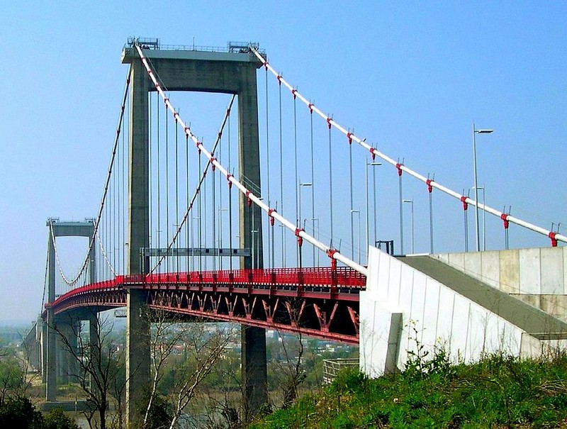 Première mondiale : 2011, le pont à haubans et tablier courbe de Térénez 1024px10