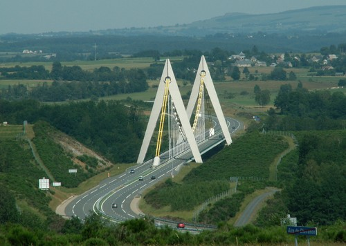 Première mondiale : 2011, le pont à haubans et tablier courbe de Térénez Chavan10