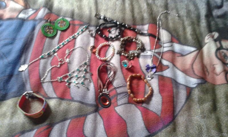 Vente et troc d'items lolita et moldus :) 070_210