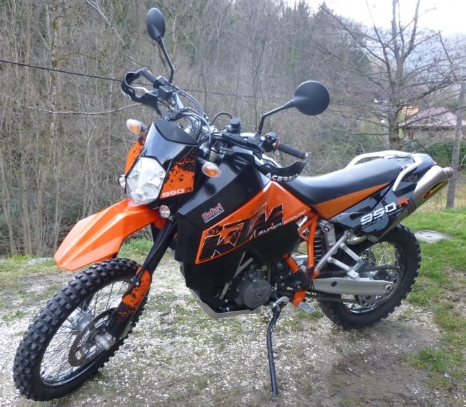 Qu'avez vous fait à votre moto aujourd'hui ? - Page 3 950se110