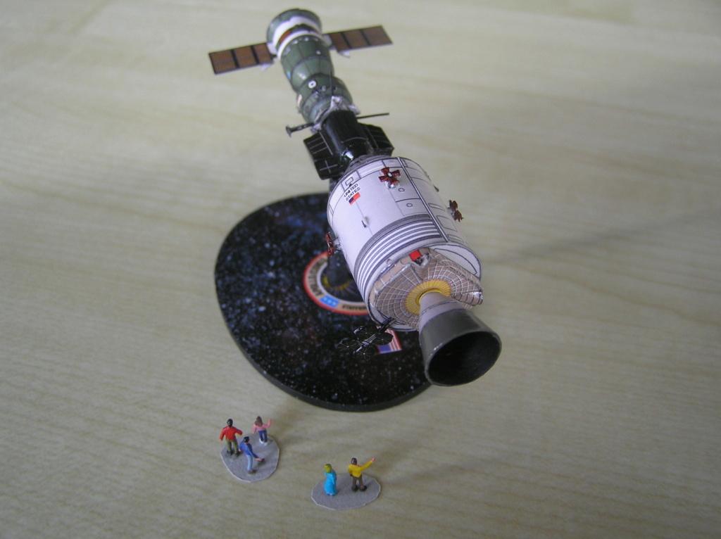 L'engin spatial du jour! - Page 10 P2030018