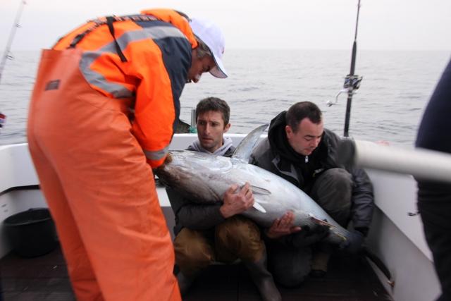 Compte rendu de notre sortie de pêche au thon Img_7925