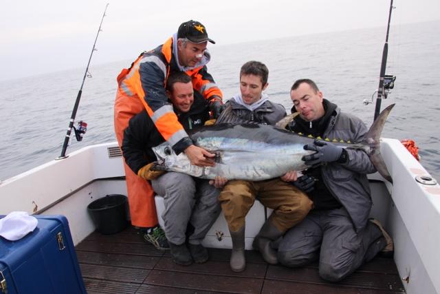 Compte rendu de notre sortie de pêche au thon Img_8011