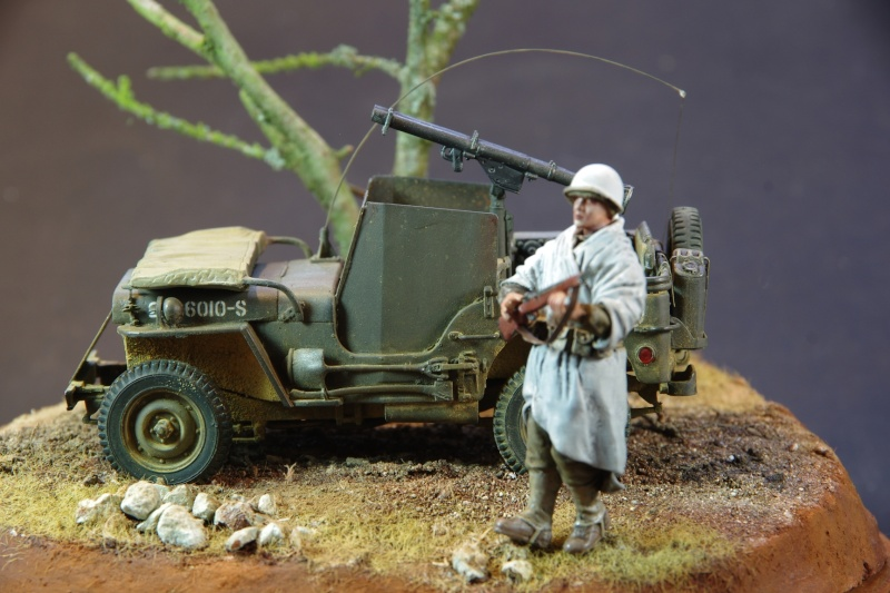 Jeep Blindée Dragon 1/35 + petite mise en scène Imgp6519