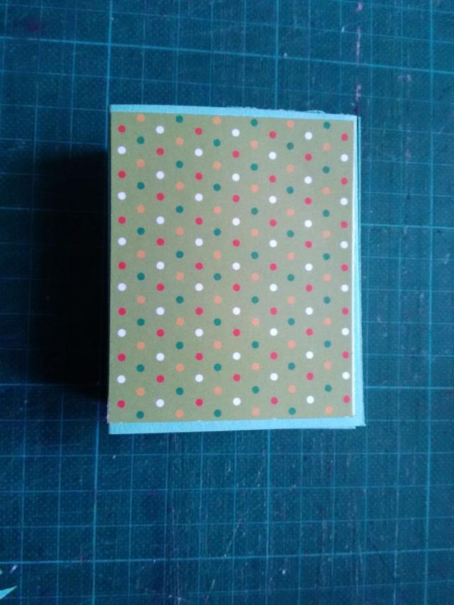 19 novembre : Petites boîtes à friandises - Page 2 Boite_10