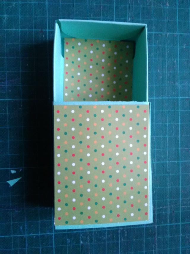 19 novembre : Petites boîtes à friandises - Page 2 Boite_11