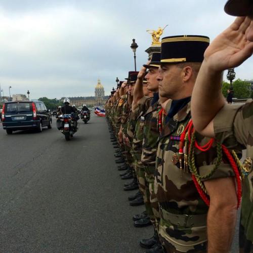 Hommage au SGC GUARATO au pont Alexandre III Guarat10