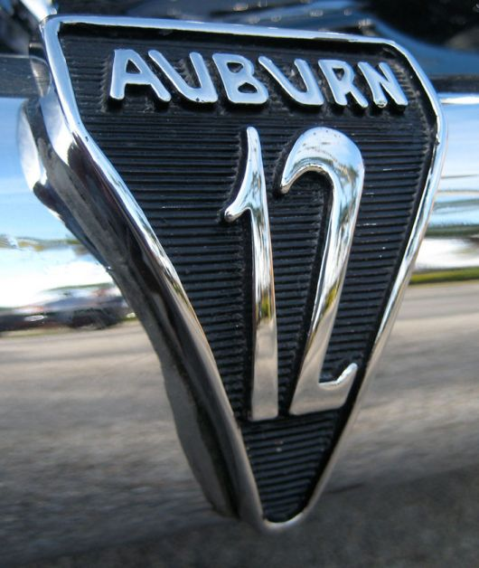 Des marques de A à Z : A 12_emb10