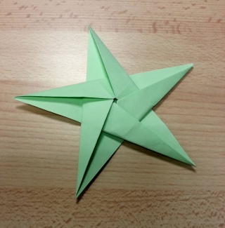 23 novembre : des étoiles ORIGAMI ... - Page 2 Etoile10