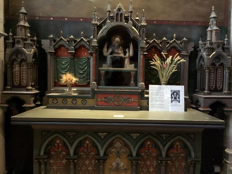 La chapelle des trois gouttes de sang Quimper Jelt_s10