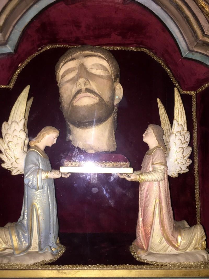 La chapelle des trois gouttes de sang Quimper Jelt_s15