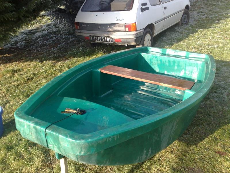 """mon """"mini silure boat"""" 12012010"""