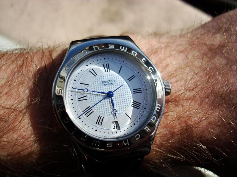 Feu de vos montres à aiguilles bleues Swatch10