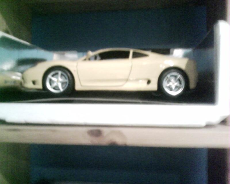 collectionneur de voitures miniatures Img01019