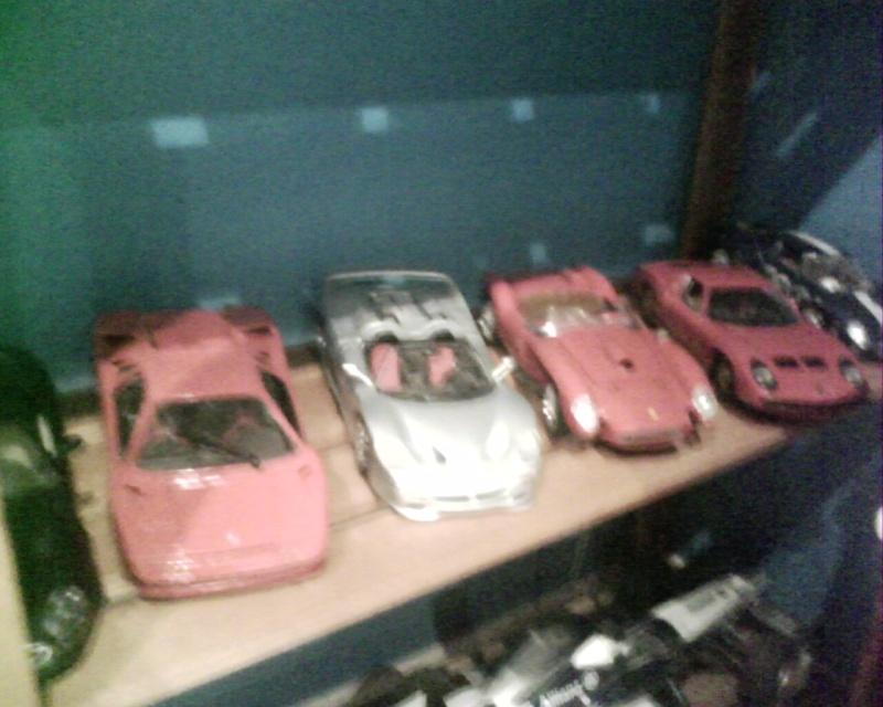 collectionneur de voitures miniatures Img01025