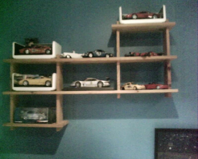 collectionneur de voitures miniatures Img01115