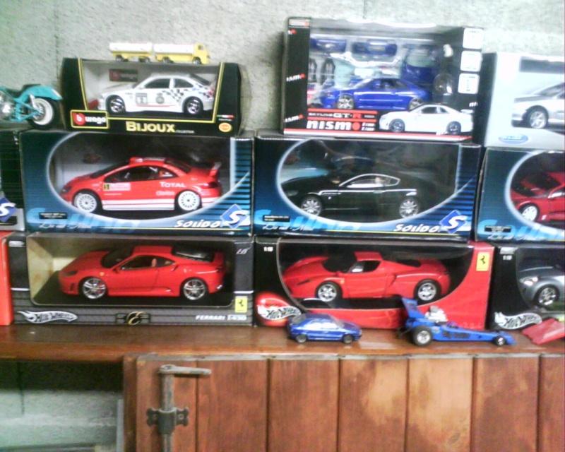 collectionneur de voitures miniatures Img01117