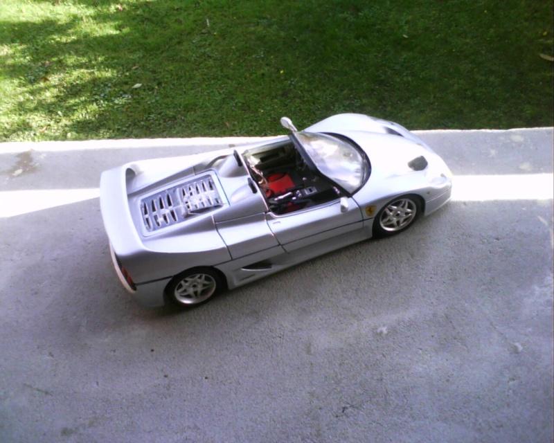 collectionneur de voitures miniatures - Page 2 Img01219