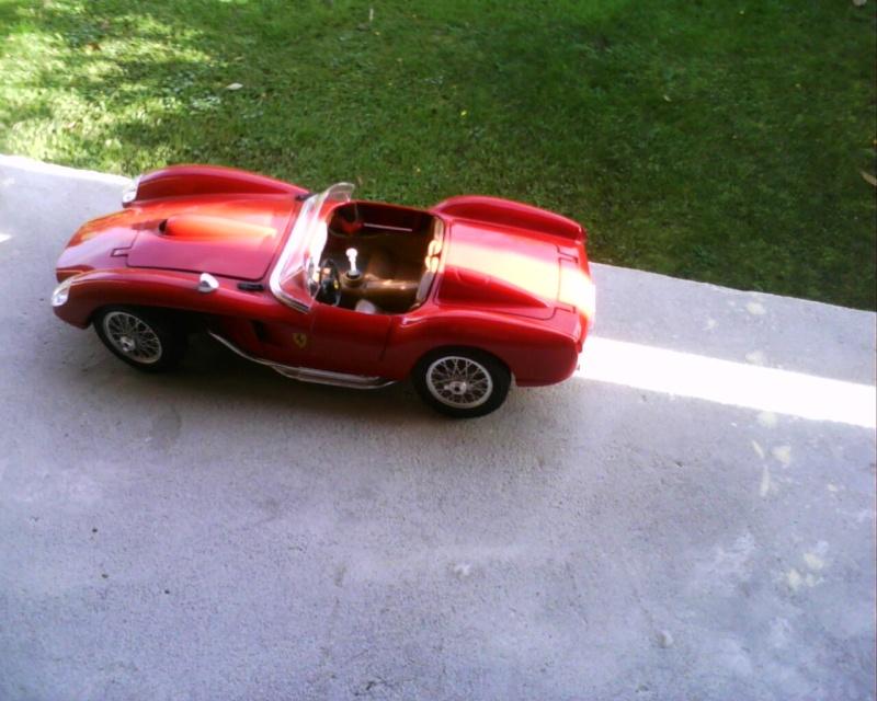 collectionneur de voitures miniatures - Page 2 Img01220