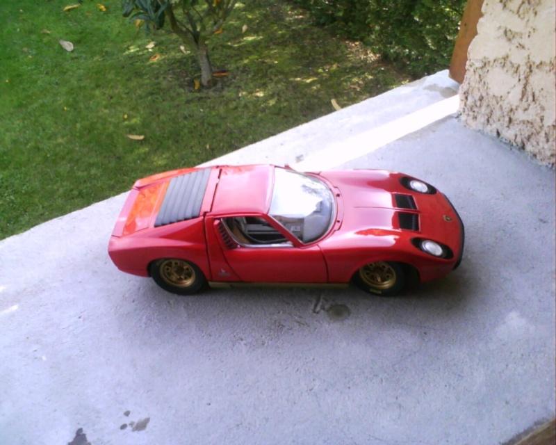collectionneur de voitures miniatures - Page 2 Img01310