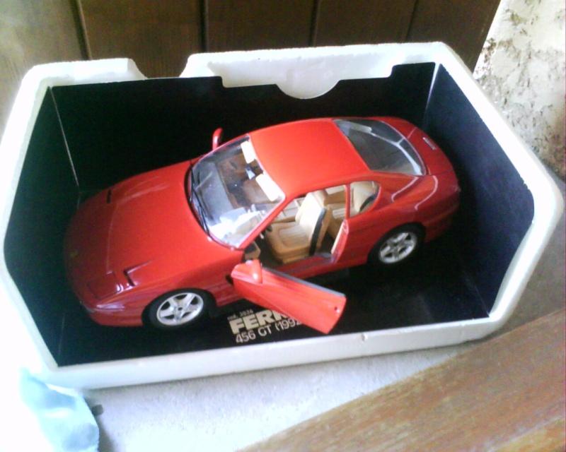 collectionneur de voitures miniatures - Page 2 Img01412