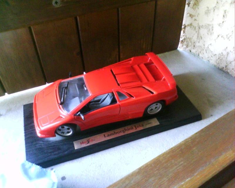 collectionneur de voitures miniatures - Page 2 Img01413