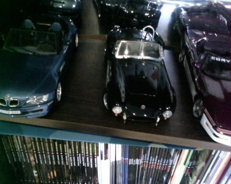 collectionneur de voitures miniatures - Page 2 Img01418