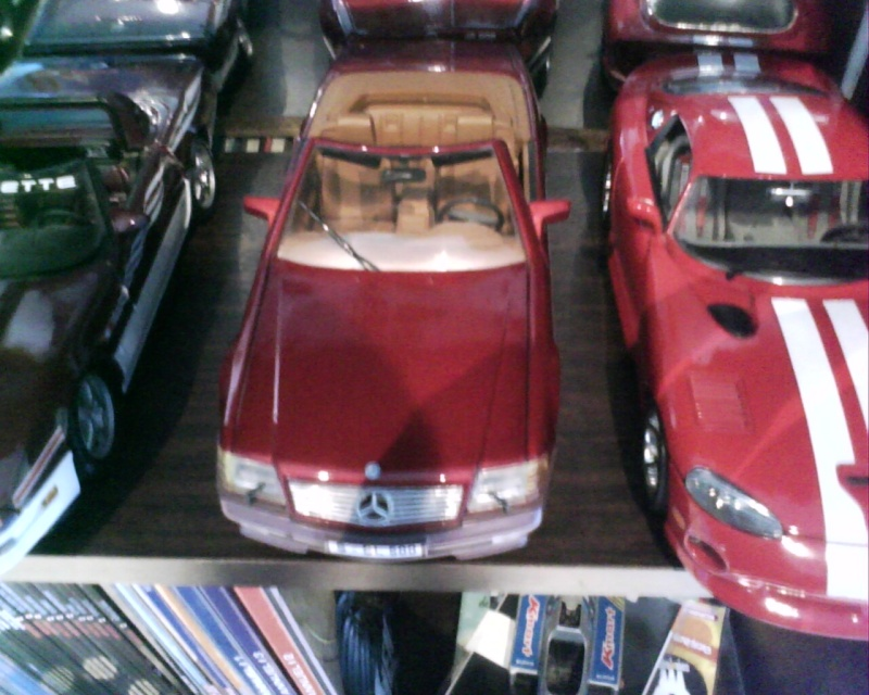 collectionneur de voitures miniatures - Page 2 Img01511