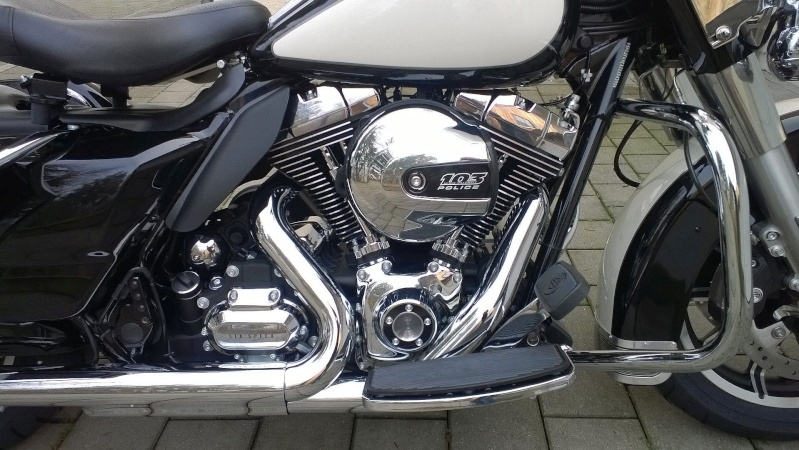 ESSAI du ROAD KING SPECIAL POLICE 2011 Wp_20113