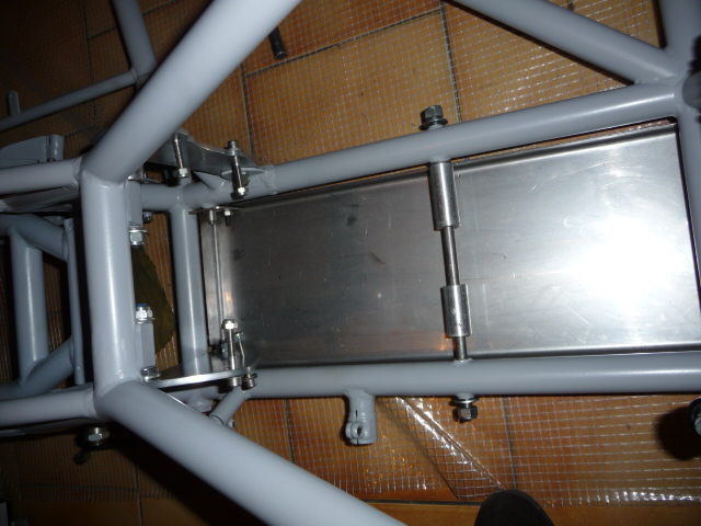 Deux cylindres ,trois roues - Page 4 P1130614