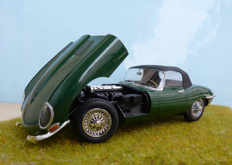 JAGUAR Type E Cabriolet - 1/24. Jaguar31
