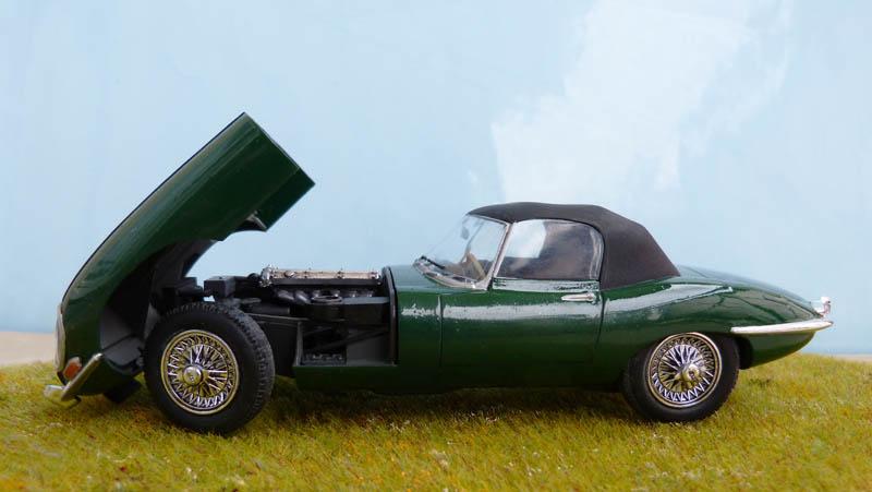JAGUAR Type E Cabriolet - 1/24. Jaguar32