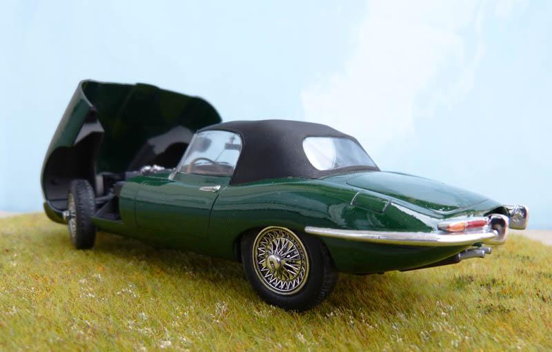 JAGUAR Type E Cabriolet - 1/24. Jaguar33