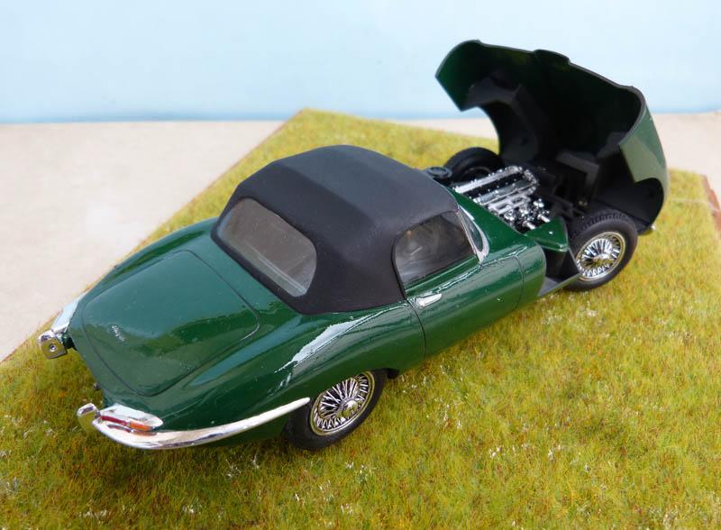 JAGUAR Type E Cabriolet - 1/24. Jaguar34