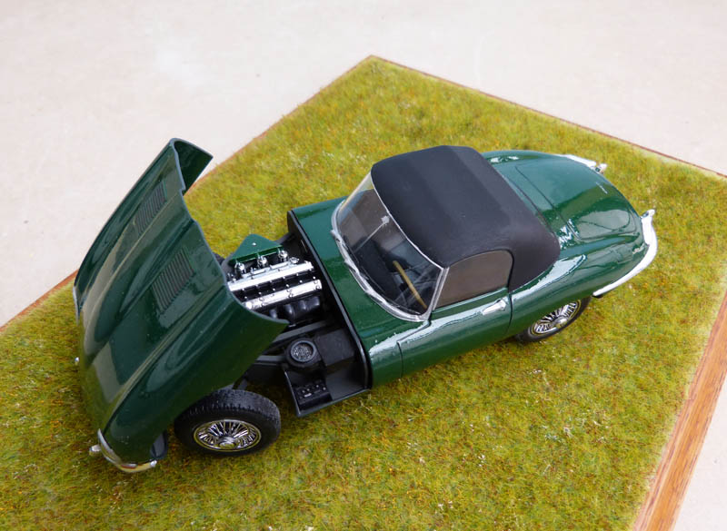 JAGUAR Type E Cabriolet - 1/24. Jaguar37