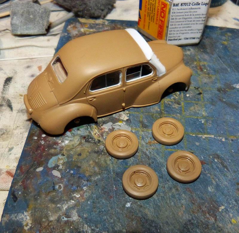 """[1/43] Renault 4CV """"Taxi de Saigon"""" TERMINE ! - Page 2 Taxisa10"""