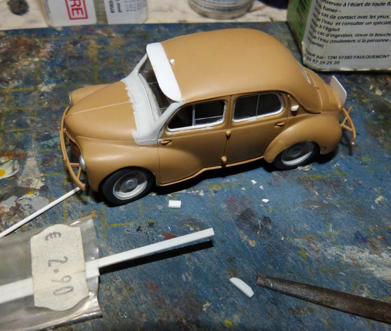 """[1/43] Renault 4CV """"Taxi de Saigon"""" TERMINE ! - Page 2 Taxisa16"""