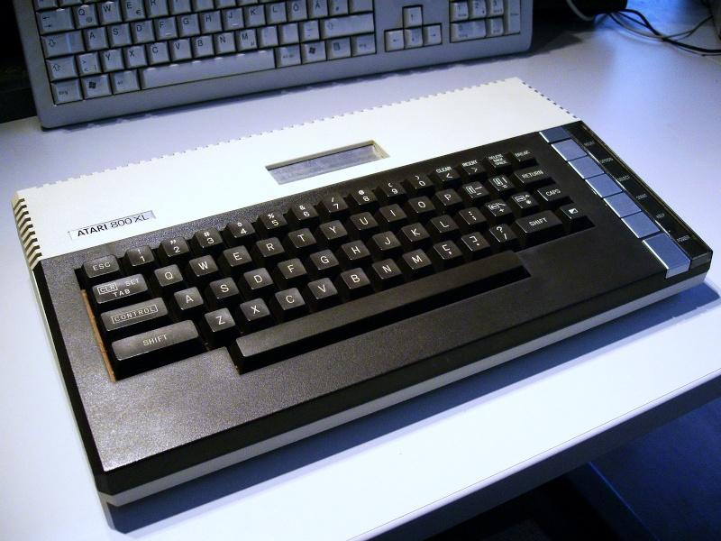 Si vous ne deviez garder qu'un seul 8 bit en vitrine Atari_11