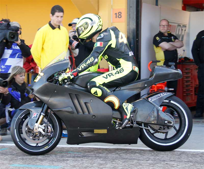 Moto GP- Saison 2011 - - Page 2 Vale-110